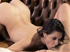 Shyla Jennings and Penny Pax lesbo 3some