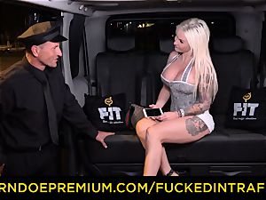 plumbed IN TRAFFIC - sultry blondes car triangle smashing