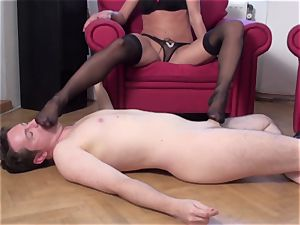 dominant Footladies forced guys to worhip their feet