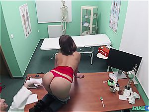 fake hospital sexy culo patient with shaven cunt
