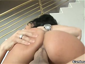 horny Anissa Kate rails a ginormous penis deep in her donk
