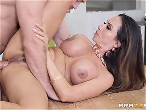 Ariella Ferrera getting inserted in her plumb fuckhole
