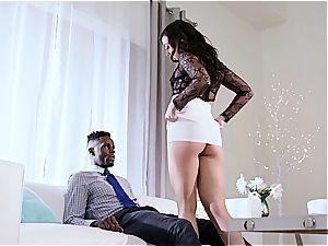 milky wife Whitney cuckolds her ebony cheating husband