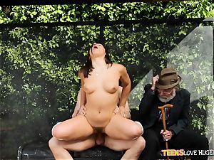 funny situation of fuckbox slammed daughter and her grandpa watches at bus stop - Abella Danger and Bill Bailey