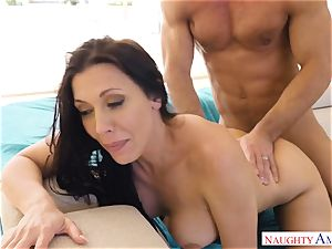 Rachel Starr bounces her moist cunny on Johnnys stiff salami