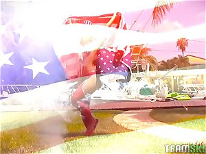 american hotty Kelsi Monroe torn up outside
