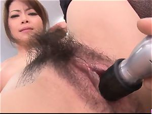 Maki Hojo leaves the manager to plumb her at work