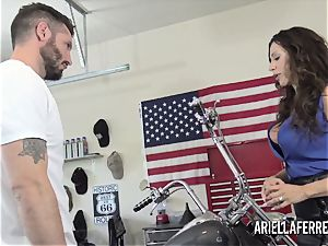 Ariella Ferrera pays the bills with her molten bang crevice