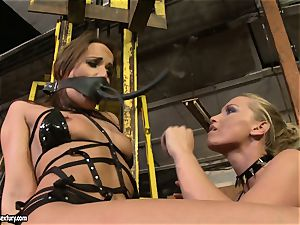 Andy dark-skinned and Kathia Nobili tie and covering of facehole