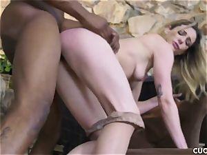 dark-hued stud fucks his boss trampy wife Dahlia Sky