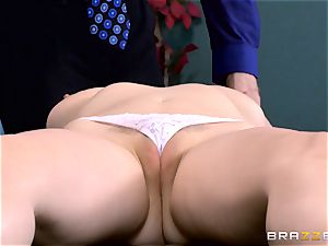 Patient Penny Pax pummeled by enormous dicked physician