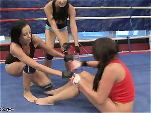 Emma bootie and Larissa Dee female red-hot fight