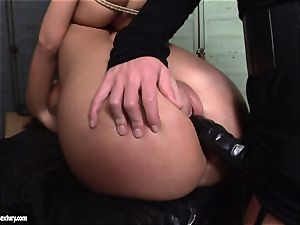 Kathia NObili enjoy doing cable on pulverize on a steamy stunner