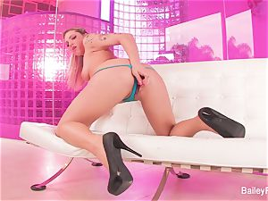 steaming tatted ash-blonde Dahlia Sky plays with a hump toy