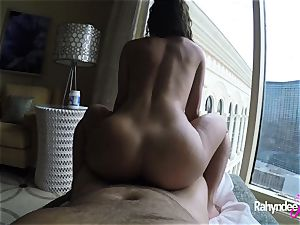 Rahyndee pleasing stiffy in Las Vegas motel pov