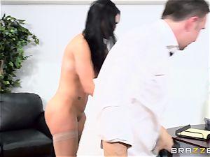 chisel gasping british stunner Jasmine Jae penetrated in her butt