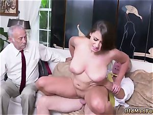 father and mom elder stud hard-core Ivy amazes with her ginormous hooters and bootie