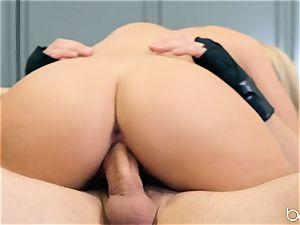 JMac delves his prick deep into super hot blonde in locker room