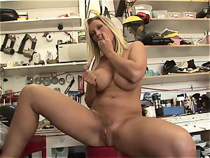 super-fucking-hot Devon Lee likes taunting her sweet moist bean